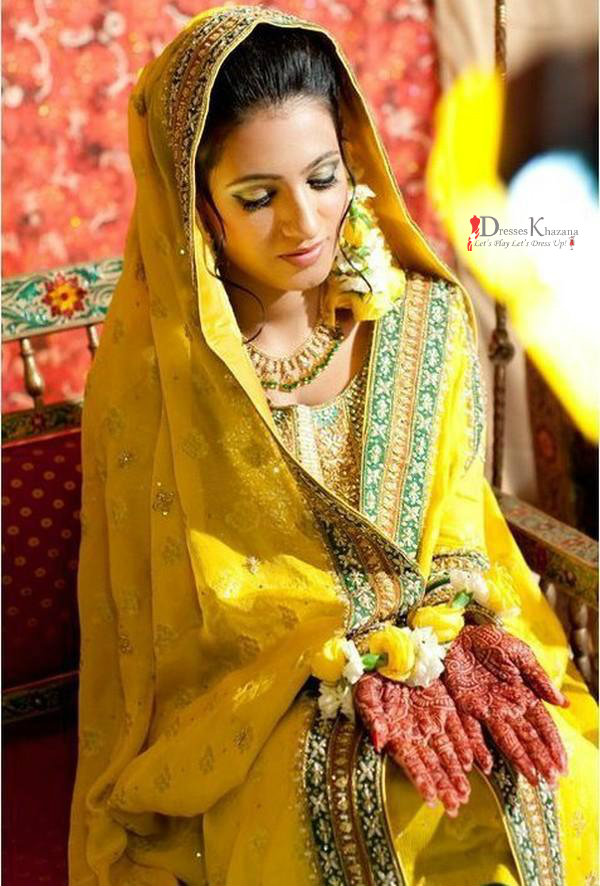 c8fc297f20 New Amazing Ideas for Mehndi Dresses for Couple