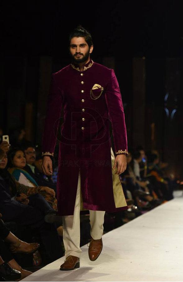 Deepak Perwani Sherwani 2017