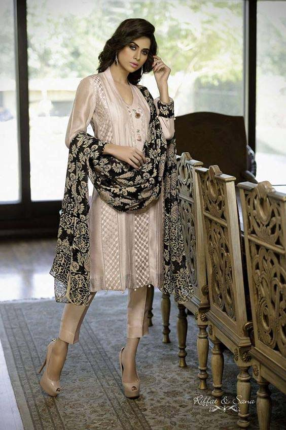 46f909afd Latest Pakistani Dresses Designs 2018 for Girls - Formal   Informal ...