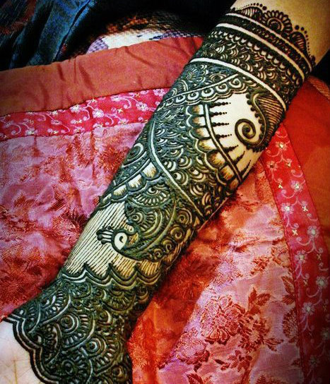Simple but stylish mehndi tattoos