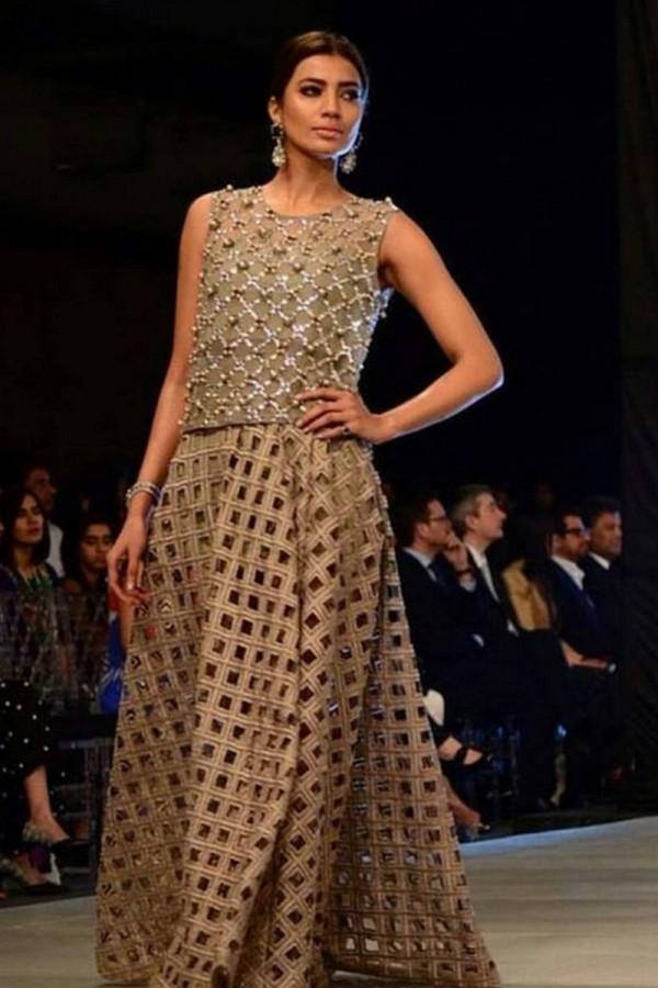 Mehndi Dresses By Maria B : New mehndi dresses for bride by pakistani designers