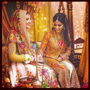 Mehndi Dresses Image