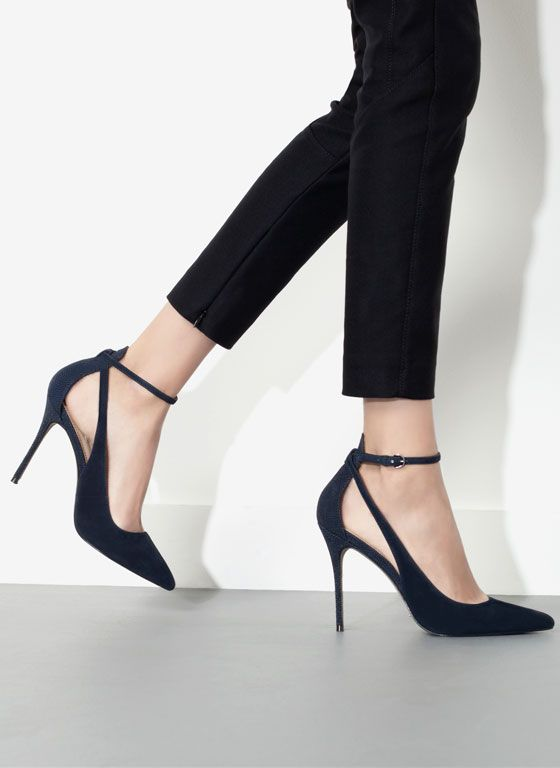 Pumps with heels
