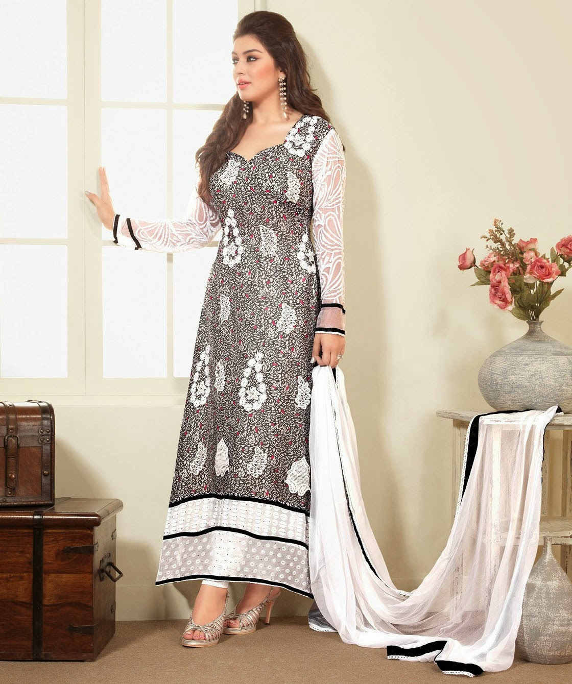 4ae000722b Party Dresses Designs · Shalwar Qameez Design · Simple Party Outfits