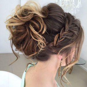 messy cureld Prom Hairstyle