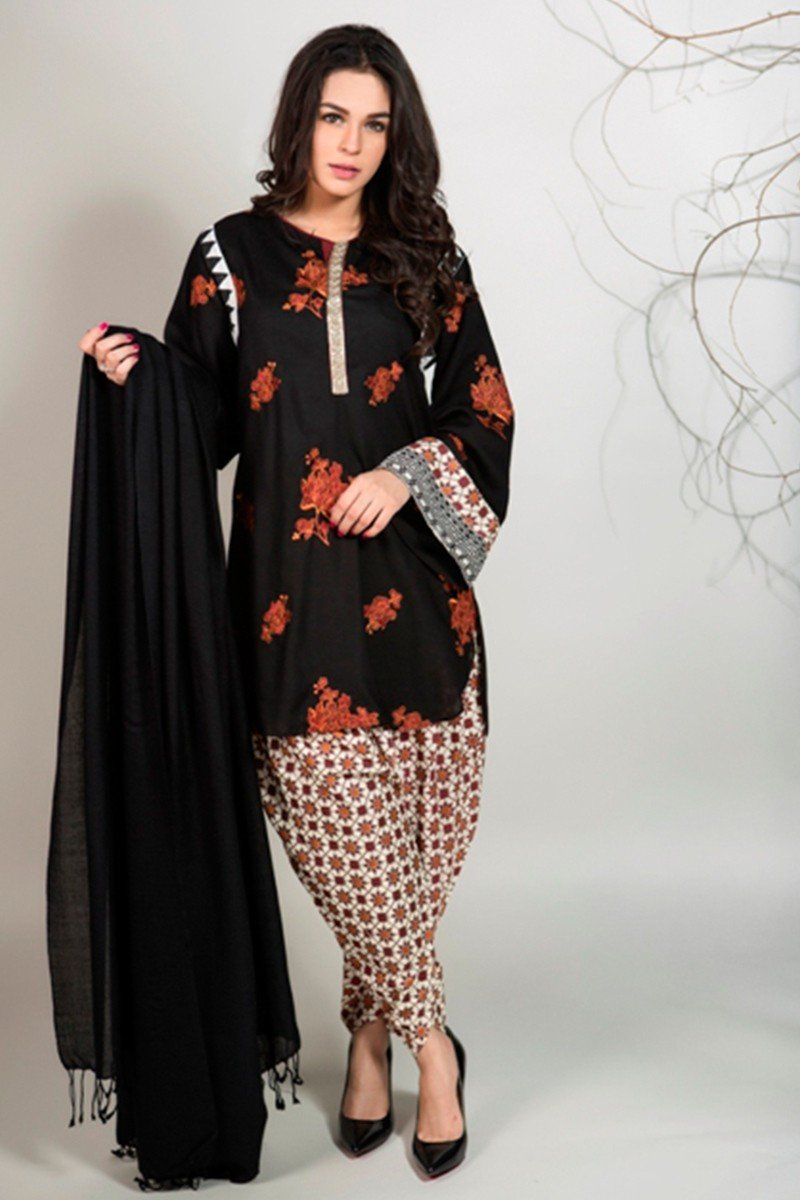Maria B Lawn 2018 - New Stylish Summer Dresses for Girls ...