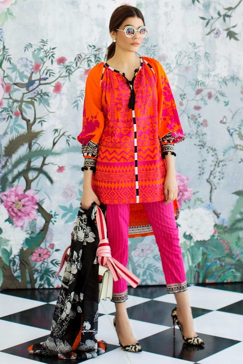 6033a5aca8 Sana Safinaz Lawn 2018 Spring Summer Printed Lawn Collection for Girls