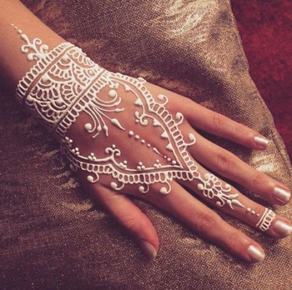 White Mehndi Outfits : Mehndi designs latest henna for girls kids