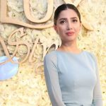 Mahira Khan Simple Hairstyle