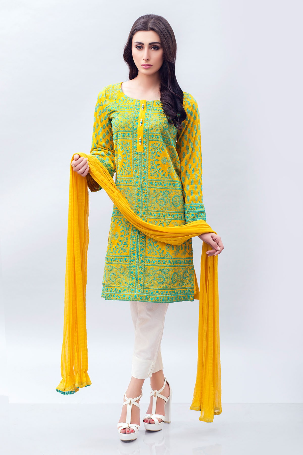 New trend of fashion in pakistan 16