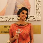 latest Sanam Saeed Hairstyle in Lux Award