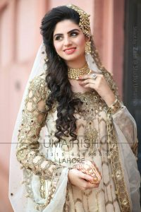 loose curly hair for pakistani bridal