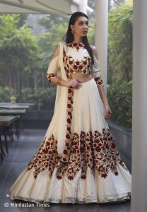 Bridal outfit collection 2017 by Manish Malhotra