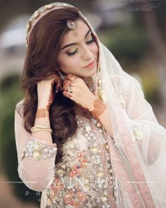 Latest Pakistani Bridal Dresses 2017 (17)