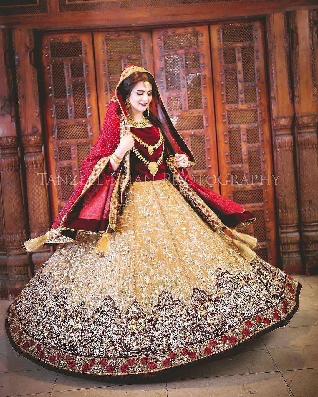 039ced9904 Pakistani Bridal Dresses 2018 - Latest Mehndi, Barat & Walima Dresses