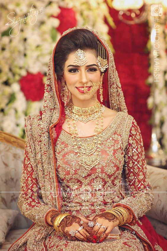 1b9eddbf97e74 Pakistani Bridal Dresses 2018 - Latest Mehndi, Barat & Walima Dresses