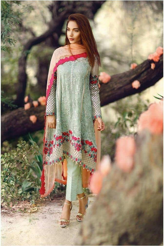 0da643c3d Party Dresses for Girls in Pakistan 2018 With Outstanding Modish Looks