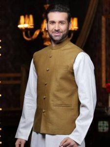 Waistcoat with kurta for party dress 2017
