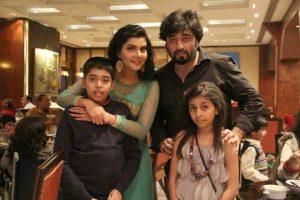 Nida & Yasir Nawaz Family