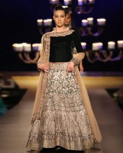 manish maalhotra bridal dresses 2017
