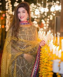 mehndi dresses 2017 with yellow dupatta