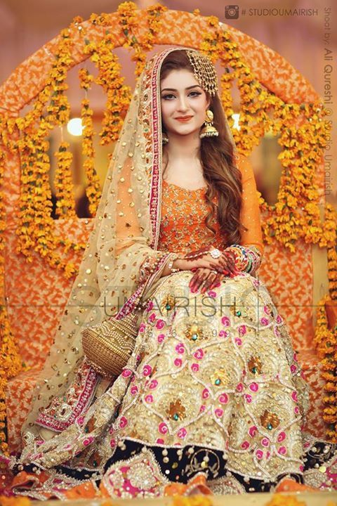 Adorable Pakistani Mehndi Dresses For Brides 2018 Wedding