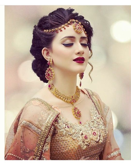 Trendy Pakistani Bridal Hairstyles 2018