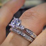 Unique engagement rings 2017