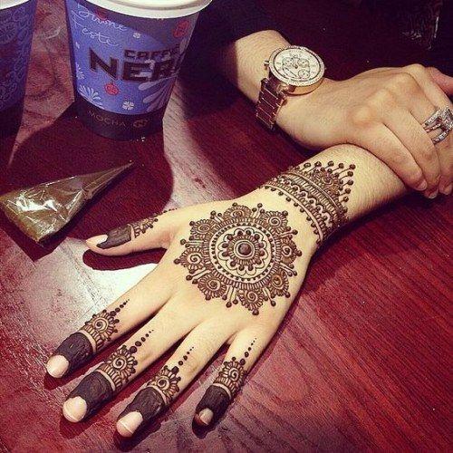 Circular Motifs Mehndi Designs 2017 for girls