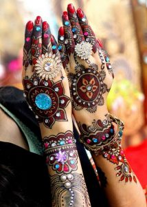 Latest Colored Mehndi Designs 2017 for girls