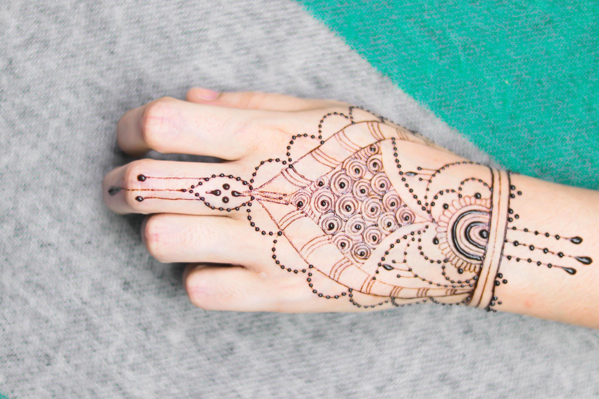 Beautiful Mehndi Designs for Girl