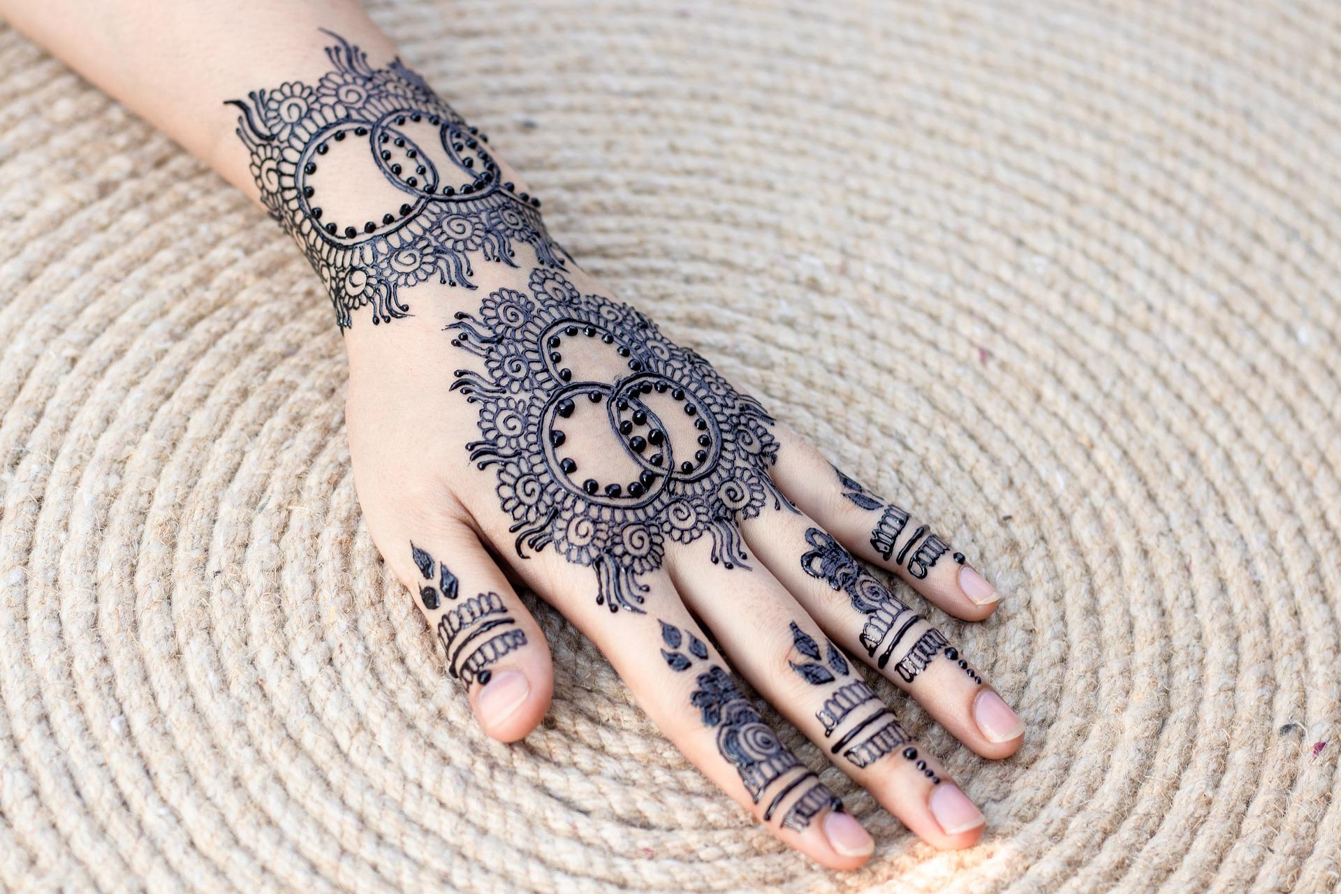 Best Mehndi Designs for Girls (2)