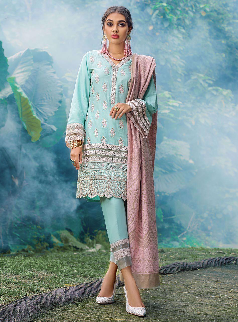 zainab chottani winter