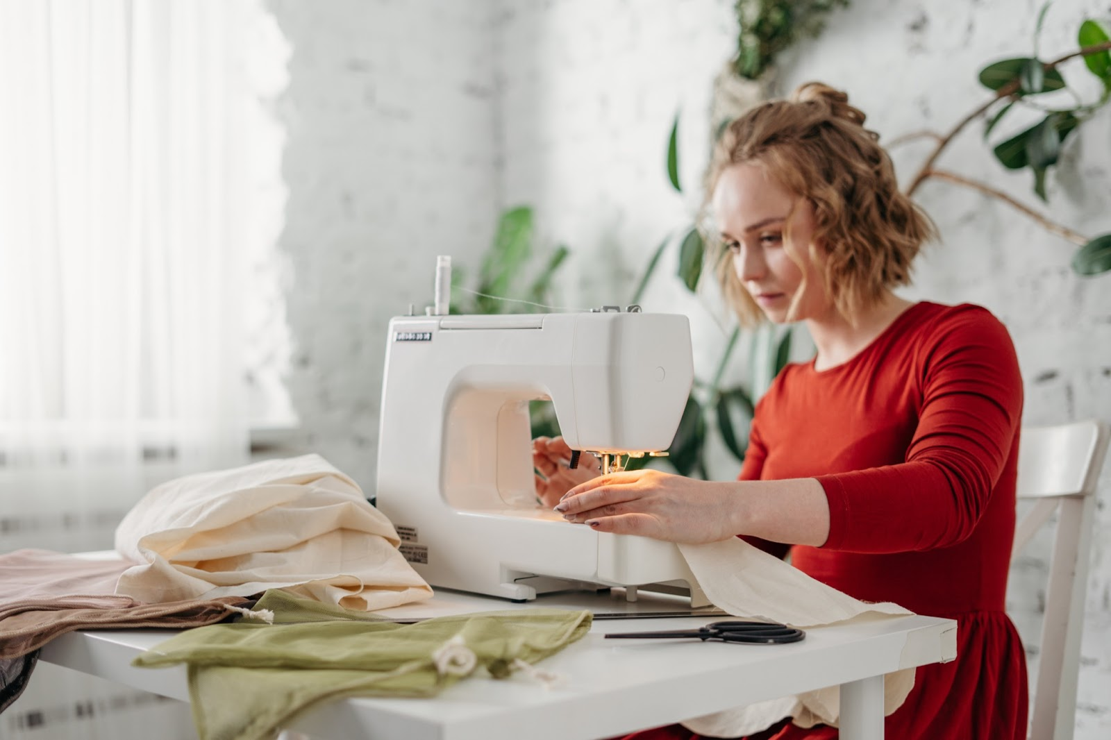 Starting a Clothing Business: 4-Step Plan for 2021